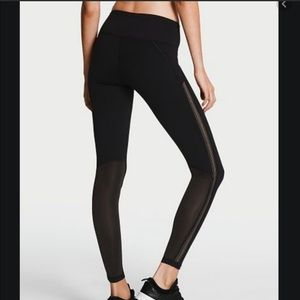 Victoria's Secret black high rise Knockout legging